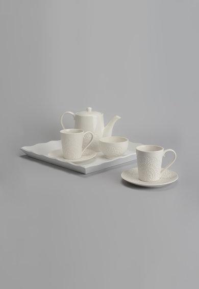 Tava alba pentru ceai de la Amadeus