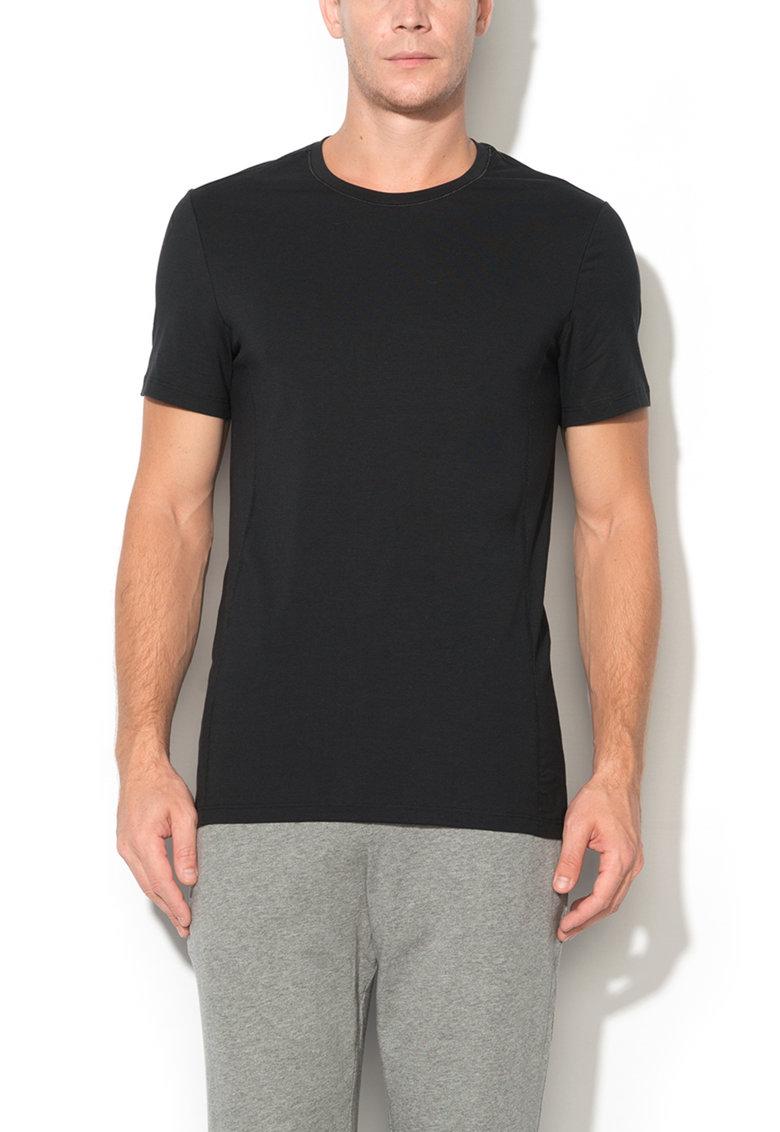 Skiny Tricou negru cu decolteu la baza gatului Per4mance