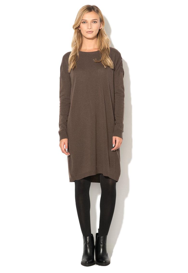 Rochie maro tricotata cu maneci lungi