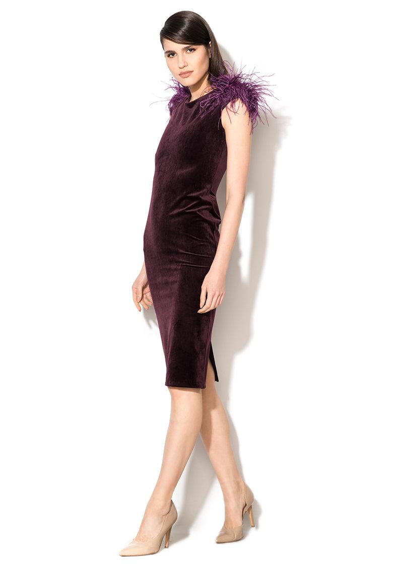 Rochie violet pruna catifelata si cu aplicatii cu pene