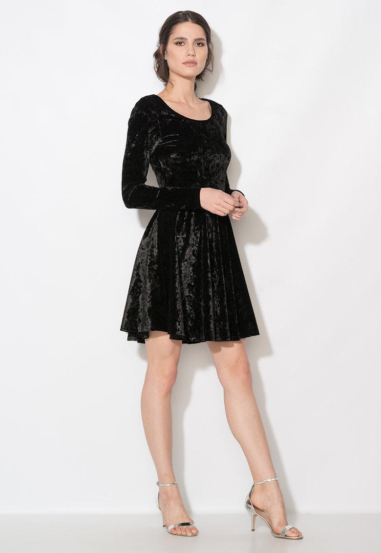 Rochie neagra de catifea si cu maneci lungi
