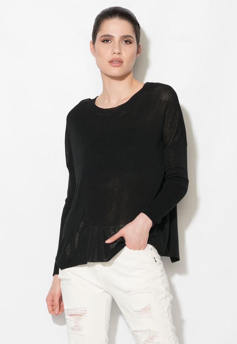 Bluza neagra semitransparenta cu decupaj pe partea din spate