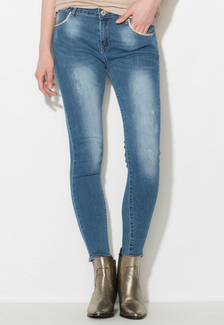 Jeansi skinny albastri cu strasuri