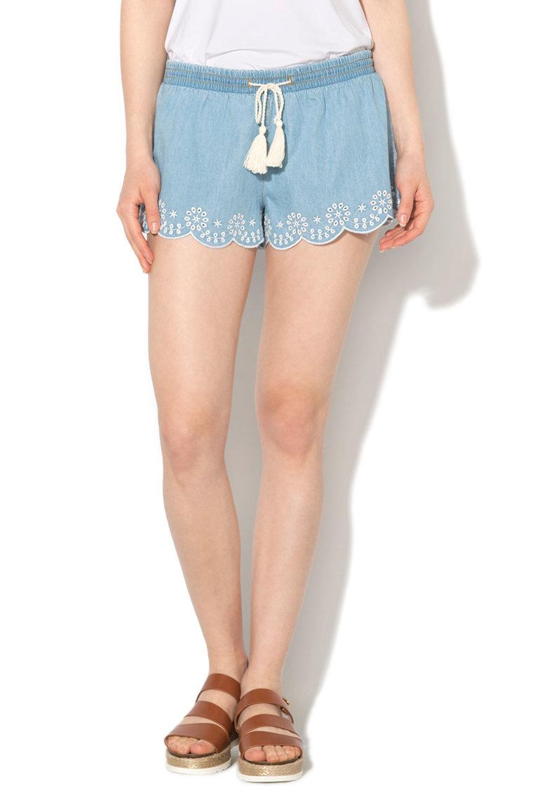 Pantaloni scurti albastru pastel cu detalii sangallo
