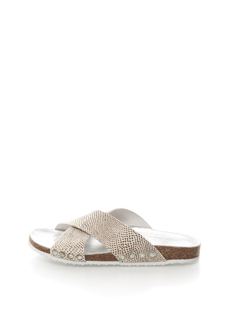Papuci alb fildes si maro inchis de piele cu par scurt de la Colors of California