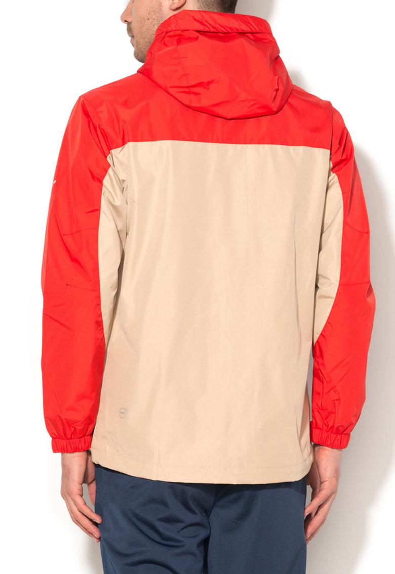 Jacheta rosu cu bej subtire si cu gluga de la Puma