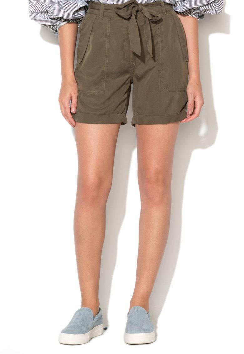 New Look Pantaloni scurti cu un cordon