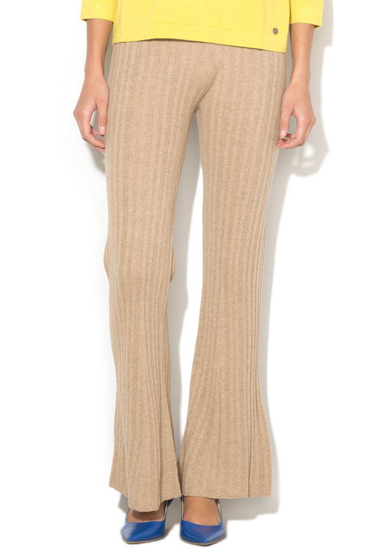 Pantaloni Evazati Din Tricot Cu Striatii