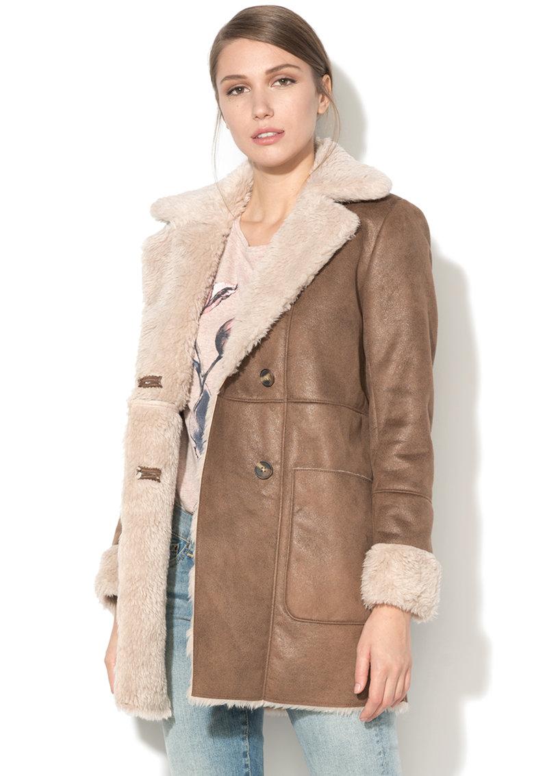 Jacheta din blana shearling sintetca cu doua randuri de nasturi Ora de la Pepe Jeans London