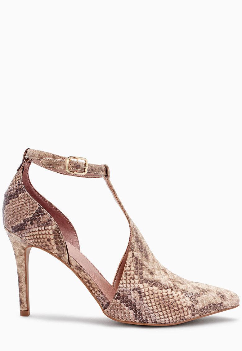Pantofi cu decupaje si model reptila de la NEXT