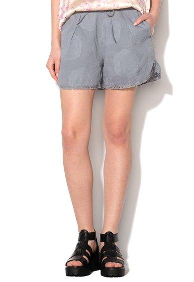 Pantaloni scurti albastri cu detalii florale si garnituri brodat