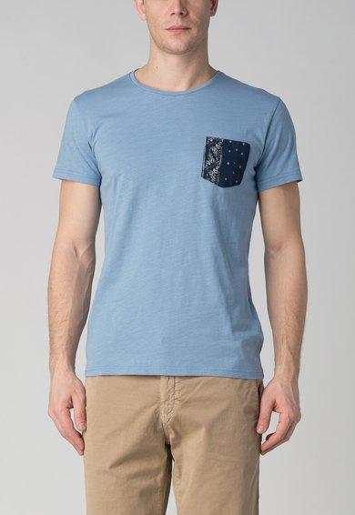 Tricou albastru pastel cu buzunar aplicat Sedrik de la LTB