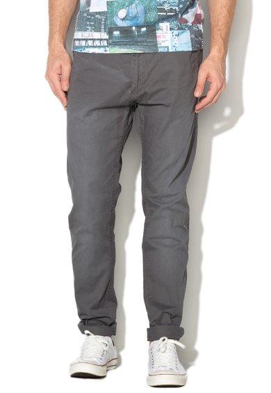 Pantaloni chino slim fit gri cu o curea Jimmy de la Alcott
