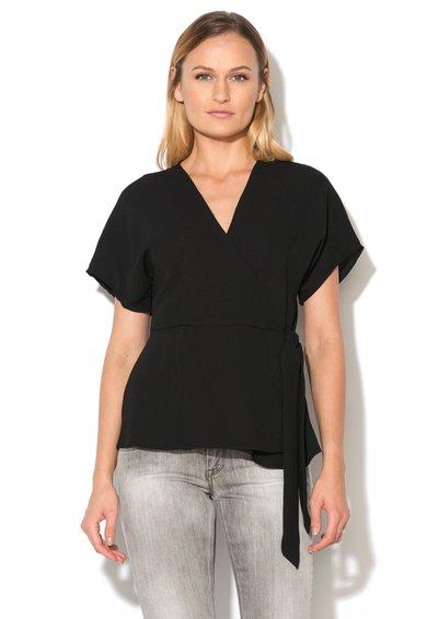 Bluza neagra suprapusa si cu maneci scurte de la New Look