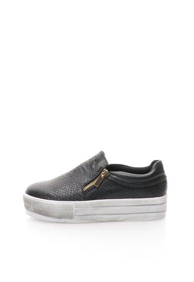 FashionDays.ro: Pantofi slip-on flatform negri cu aspect uzat Colors of California