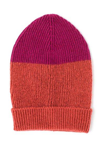 Caciula roz cu rosu capsuna tricotata de la United Colors Of Benetton